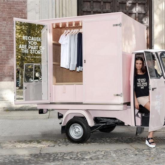 Rosa Clandestino - Moving Store